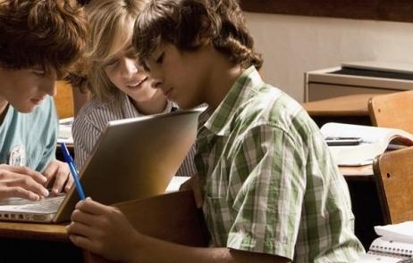 Scuola e insegnamento dei segreti della comunicazione digitale
