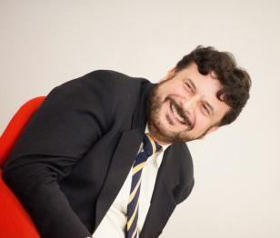 prof. Americo Bazzoffia tra i migliori formatori ed esperti di web marketing e comunicazione operanti in Italia