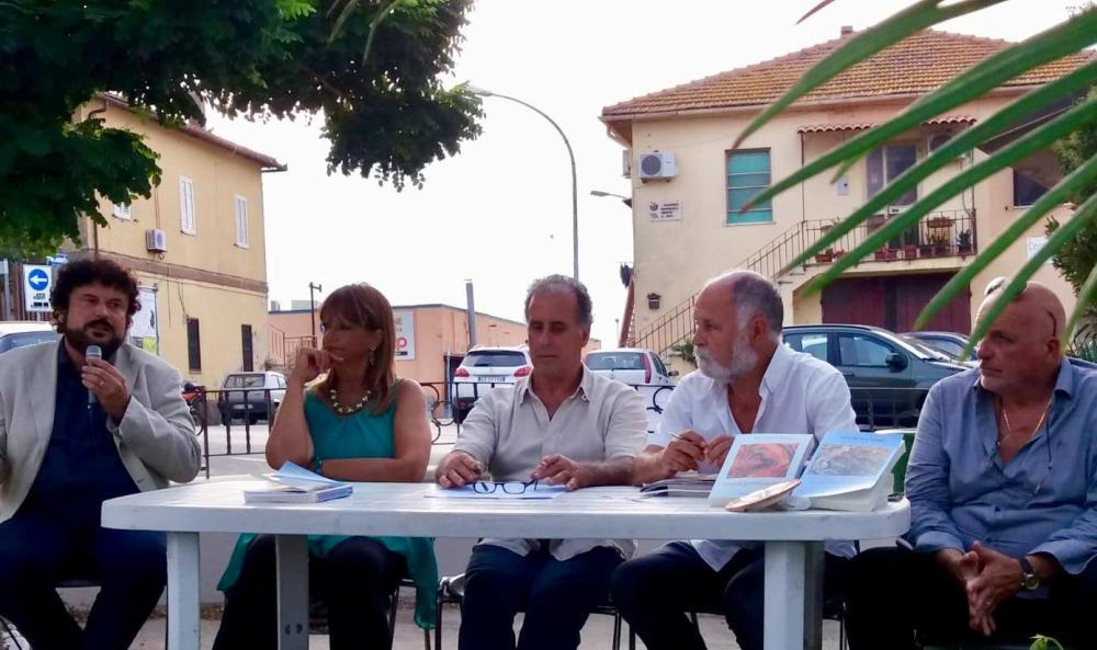 Il prof. Americo Bazzoffia presentazione dei libri di Raffaele D'Orazi